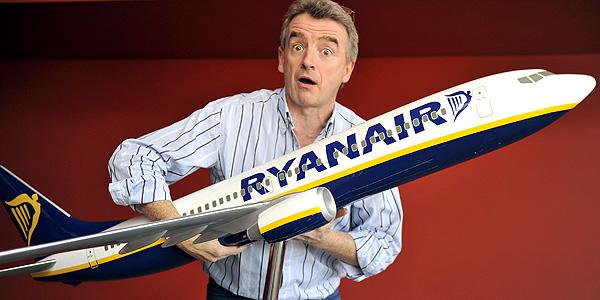 Ryanair naujovės: papildoma rankinė ir mažesni bagažo mokesčiai